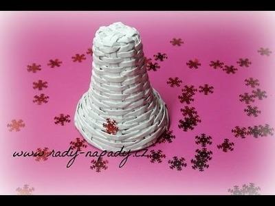 Zvoneček pletený z papírových ruliček (bell knitted from paper rolls)