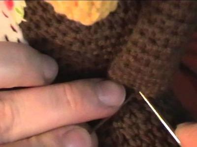Amatérské sešívání háčkovaných hraček. How to join pieces of amigurumi