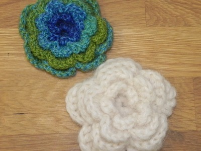 Háčkovaná kytka - brož, crochet flower