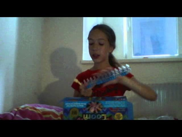 Unboxing rainbow loom