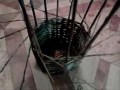 Košík, který se sám upletl