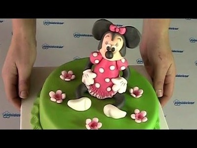 Minnie Mouse cake (Dort s figurkou Minnie)
