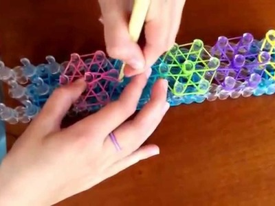Rainbow loom česky - barevná klíčenka