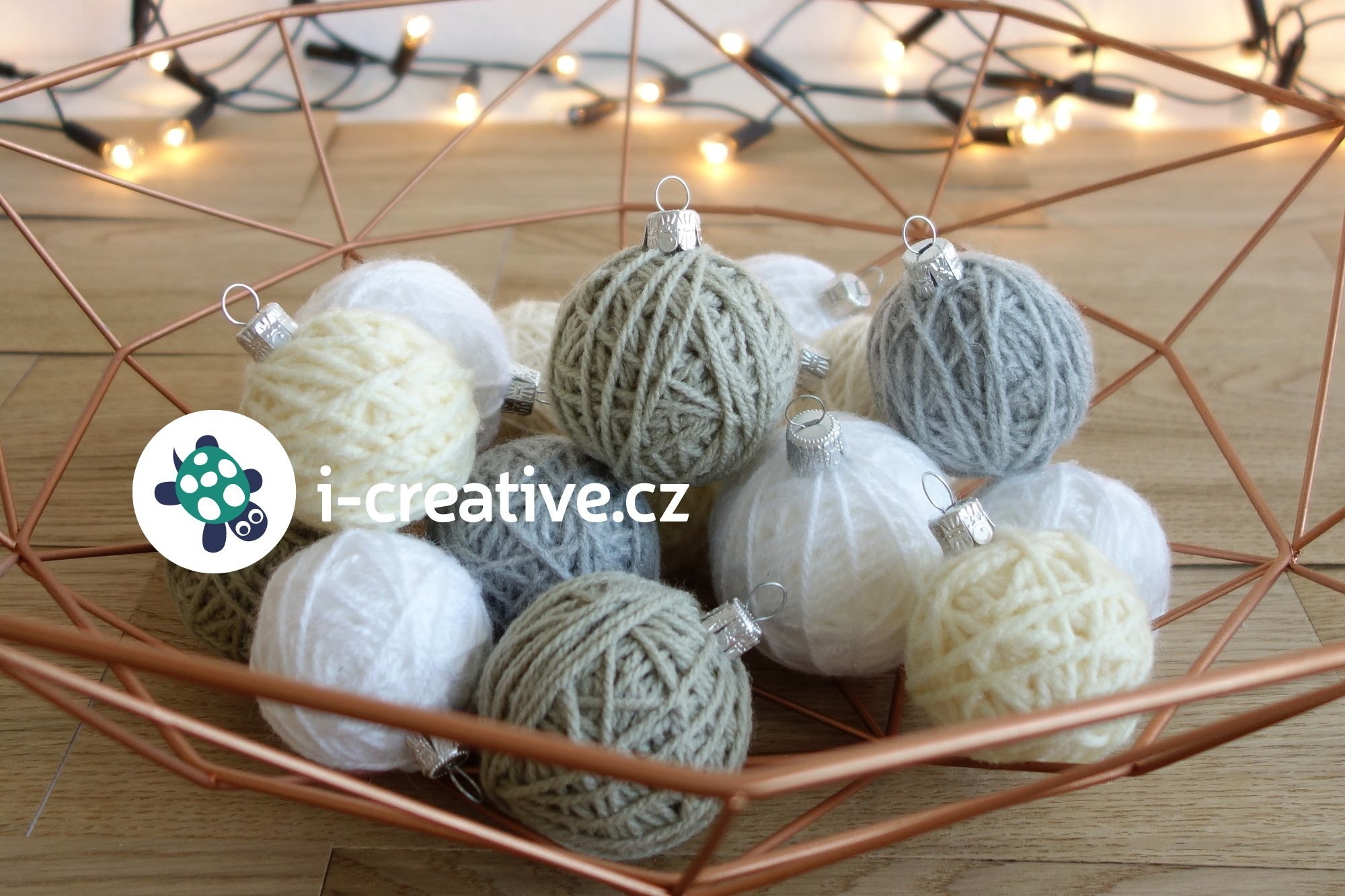 Návod na vánoční ozdoby - klubíčka z vlny