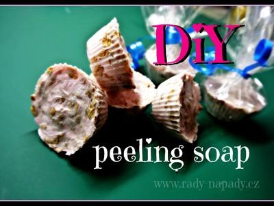 Peelingové mýdlo (peeling soap, body scrub)