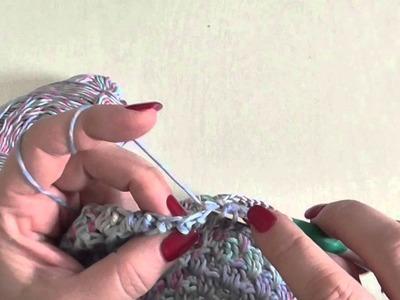 Háčkovaná čepička s kytkou, kurz háčkování 2. díl