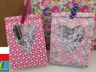 Jak vyrobit sáček na dáreček s průhledným okýnkem ve tvaru srdíčka